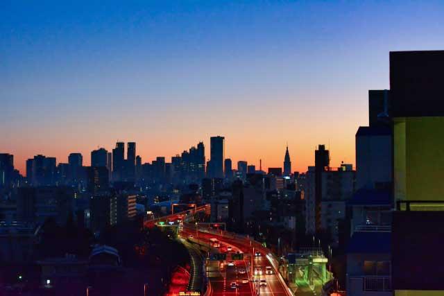 【早朝5時/6時/7時】アーリーチェックインできる新宿のシティ&ビジネスホテル|高速/夜行バスタ新宿